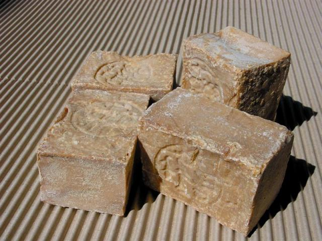 superior traditional aleppo soap 200gm bar
